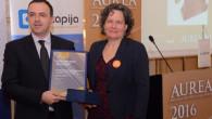 """Kompanija """"Knauf Insulation"""" dobitnik je nagrade za investiciju godine """"Aurea 2016"""", koju dodjeljuje poslovni portal """"eKapija"""", a nagradu je pobjedniku na svečanosti u beogradskom """"Aeroklubu"""" uručila potpredsjednica Vlade Srbije Kori Udovički. Kompanija """"Knauf Insulation"""" započela je u svojoj fabrici u Surdulici proizvodnju kamene mineralne vune po novoj tehnologiji zasnovanoj na […]"""