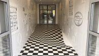 Optička iluzija ima praktičnu svrhu u ovom pametnom podu u sjedištu britanske keramičke kompanije Casa Ceramica. Pored posluživanja kao primjer proizvoda tvrtke, pod je posebno dizajniran da usporava ljude dok ulaze u izložbeni prostor Casa Ceramica. Srećom, ova iluzija funkcioniše samo u jednom smjeru, tako da je moguće pronaći izlaz […]