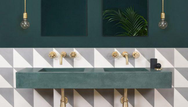Beton je izuzetno svestran materijal, koji kombinuje karakteristike prirodnog materijala s mogućnošću raznovrsnog oblikovanja. Ovakvi proizvodi ističu rezbarene površine s vrlo definisanim teksturama. Istraživanje njihovih linearnih obrazaca kreće se od glatkih vodoravnih valova do dijagonalnih nabora ili 'oštrih' i okomitih žlijebova. Organske varijacije boja i tekstura stvaraju drugačiju estetiku koja […]