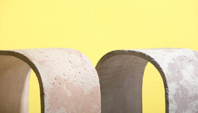 """Upotreba betona datira još iz antičkog Rima. Takozvani """"rimski beton"""" sastavljen je od vapnenca, vulkanskog pepela i morske vode koji je dozvoljavao izgradnju akvadukata, autocesta i hramova; (mnogi od njih i danas postoje). Nedavno je otkrivena originalna mješavina koja tvori mineral koji se zove aluminijski tobermorit, a koji s vremenom […]"""