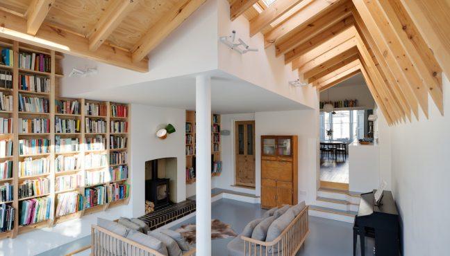 Svaki element koji uključuje kućnu biblioteku, od naslova koje ste izabrali, pa sve do načina na koji organizujete knjige, govori nešto o vašem karakteru i vašim interesima. Ko se ne bi volio opustiti u biblioteci punoj knjiga? Kao i mnoge druge stvari, kad arhitekti preuzmu dizajn polica za knige, one […]