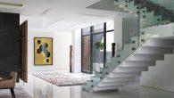 Jedan od najvažnijih aspekata dizajna interijera je rasvjeta – element koji može upotpuniti ili upropastiti unutrašnji prostor bilo koje veličine. Dobra rasvjeta može biti posebno važna za manje i zbijene prostore, čineći da se osjećaju većima i otvorenijima čak i kad se njihove dimenzije nisu promijenile. Zauzvrat, veći prostori s […]