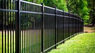 Zime nisu baš zabavne za vanjske konstrukcije, završnu obradu, a posebno za vašu ogradu. Ako živite u području sa oštrim zimama, morate biti oprezni pri odabiru vrste materijala za svoju ogradu. Prava zimska ograda mora biti u stanju da podnese jake vjetrove, snijeg i ledene kiše. Pažljivim odabirom vrste ograde […]